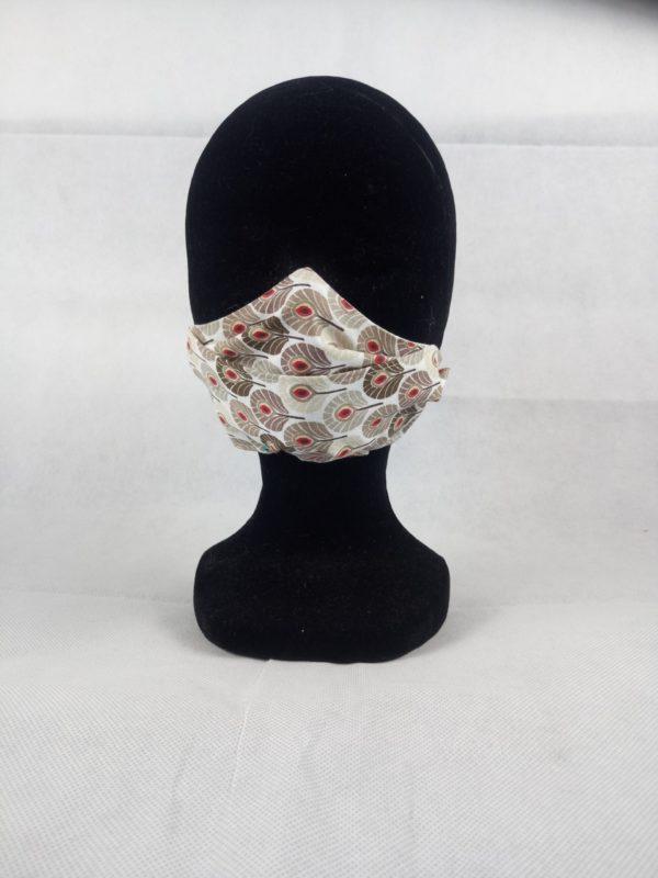 DSC 1596 scaled 600x800 - Masque en tissu fleuri beige