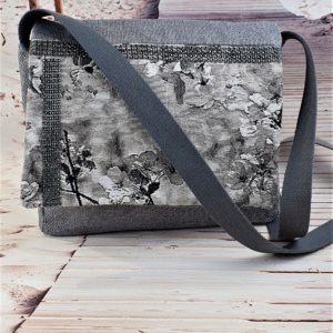 Sac bandouliere gris Kate 300x300 - Accessoires de mode pour femmes
