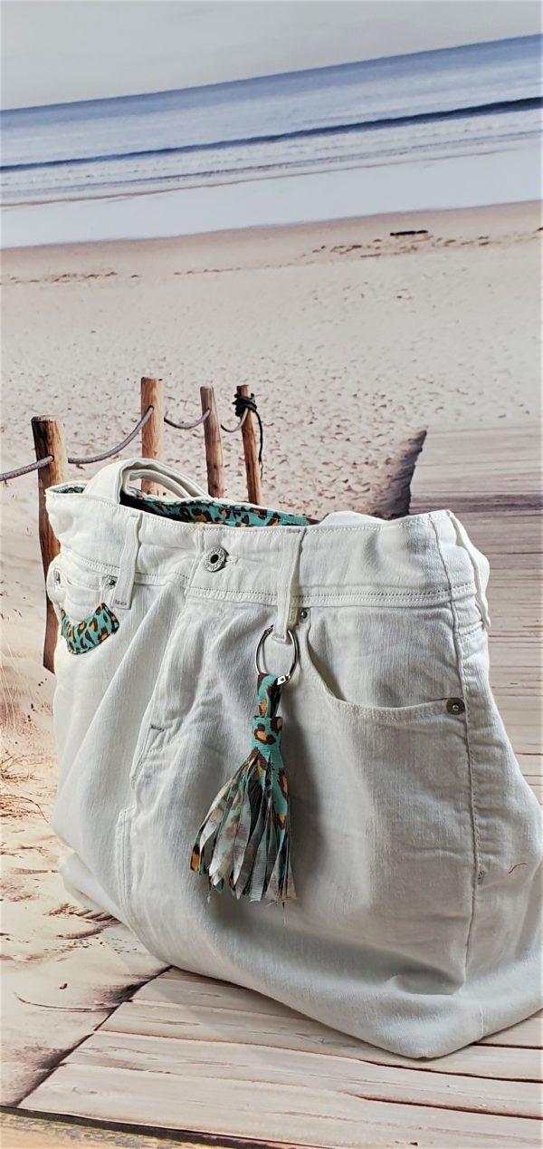 Sac en jean blanc Gabrielle, pièce unique de créateur fabriquée à Montpellier