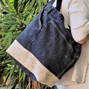 Sac en jean noir et beige Kalinka 300x300 - Accessoires de mode pour femmes
